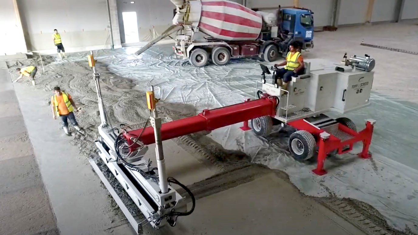 Topp and Screed concrete finisher with elobau joystick