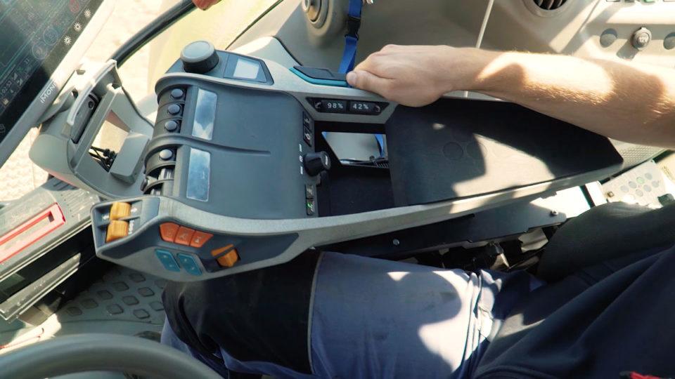 News | aISA: Prototype of an adaptive multifunctional armrest | elobau