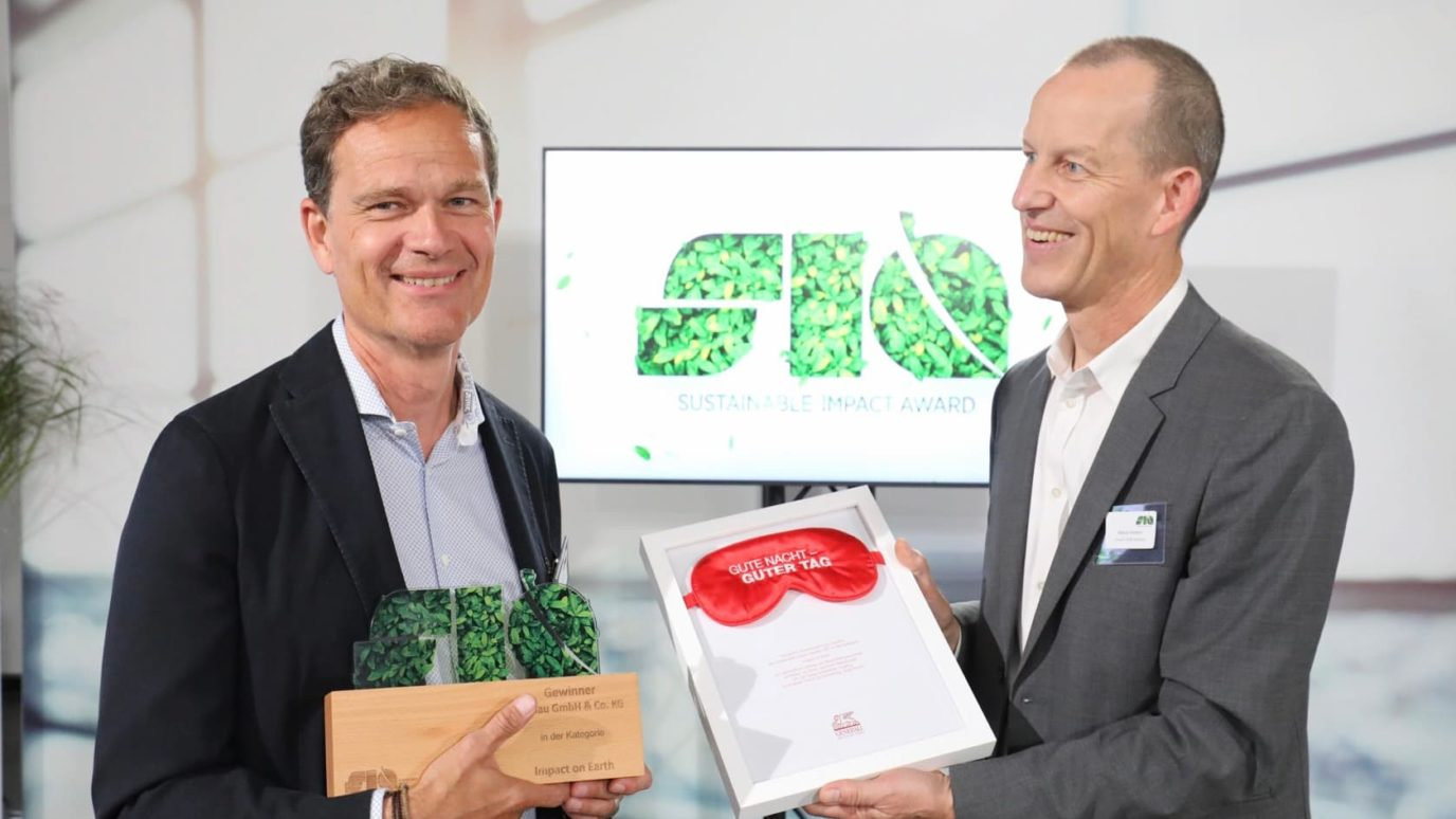News - elobau receives two awards for being a climate-friendly business - elobau